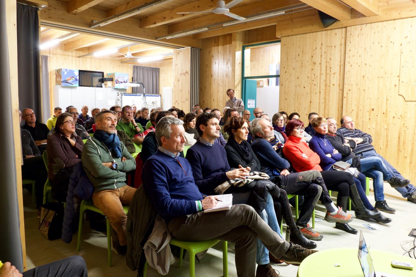 Il pubblico in sala. Presente anche l'assessore regionale Valmaggia.