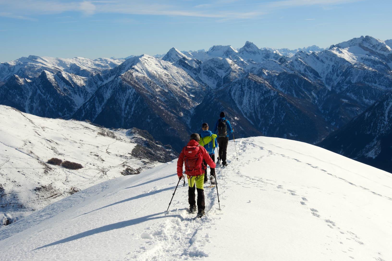 corso-di-escursionismo-invernale-con-racchette-da-neve-4